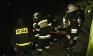 15 personas mueren al chocar dos trenes en Polonia