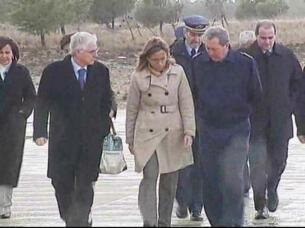 chacon visita la zona del accidente en el que han fallecido tres pilotos