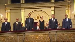 Los Reyes, ovacionados en la inauguración de la temporada del Teatro Real