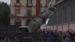 Retiran la estatua de la Victoria Franquista del Born