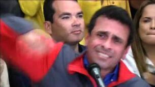 Capriles llama a
