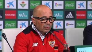 El Sevilla comparte la primera posición de la tabla con el Real Madrid que mañana se enfrenta al Villarreal