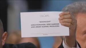 Warren Beatty se equivoca al anunciar el Oscar a la mejor película