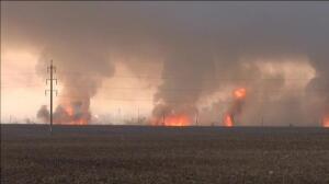 Más de 15.000 evacuados en la explosión de un almacén militar en Ucrania