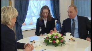 Putin se reunía con la candidata ultraderechista francesa Marine Le Pen
