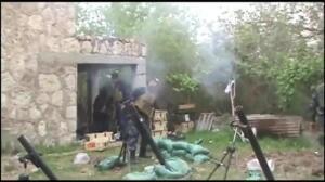 Momento en el que un combatiente suicida de Daesh hace estallar su carga
