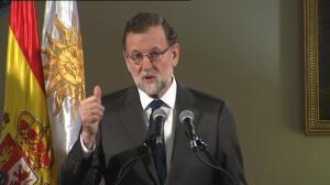 Rajoy presume en Uruguay de una España que no se rinde