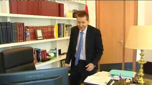 Moix niega injerencias políticas en la Fiscalía y asegura que no piensa dimitir