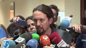 """Iglesias acusa a PSOE y Cs de """"traicionar a España"""""""