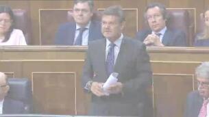 Rajoy confía en que el PSOE le deje de presionar en cuanto pasen las primarias