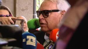 Felipe González felicita públicamente a Sánchez sin hablar con él en persona