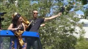 Los Warriors celebran la victoria de la NBA en las calles de Oakland
