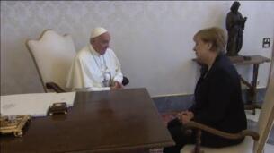 El papa Francisco se reúne con Merkel en el Vaticano