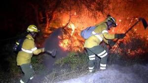 La Junta de Andalucía dará por estabilizado el incendio de Huelva esta mañana