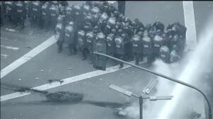 La policía argentina reprime con violencia las protestas contra el gobierno de Macri