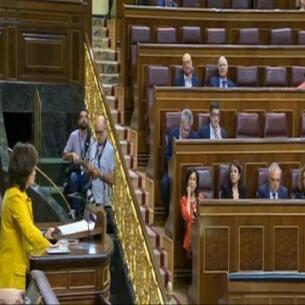 Santamaría acusa PSOE de hacerse oposición con CETA