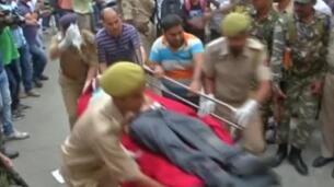 16 muertos y 27 heridos tras caer un autobús por un acantilado en la India