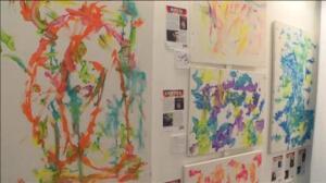Una exposición de arte en Estados Unidos vende cuadros pintados por simios