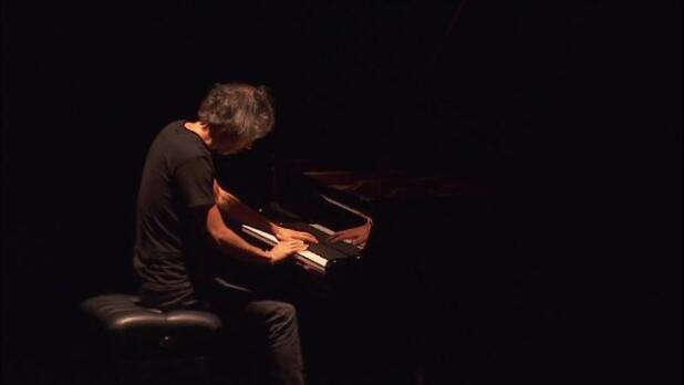 James Rhodes hipnotiza con su piano al Teatro Real
