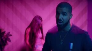 Drake lanza un mensaje a Rihanna a través de sus calcetines