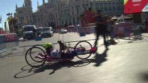 Madrid acoge una carrera benéfica de 'handbikes'