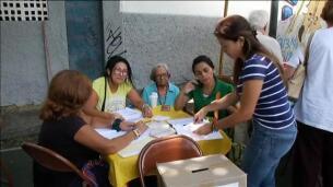 La oposición venezolana celebra sus elecciones primarias sin incidentes