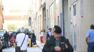 Los Mossos intervienen para facilitar la entrada de la comitiva judicial a la empresa de Terrassa