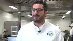 El chef Paulo Airaudio triunfa con su receta 'Molleja, ajo negro y zanahoria'