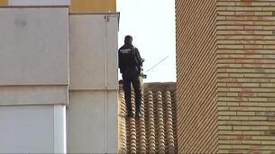 Dos agentes se disfrazan de médicos para liberar a una mujer en Requena