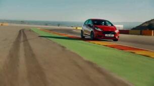 Así ruedan al límite ocho Ford Performance en el circuito de Motorland