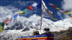 Del hospital a la montaña: convaleciente de un cáncer de mama, Vera alcanzó la cima del Manaslu