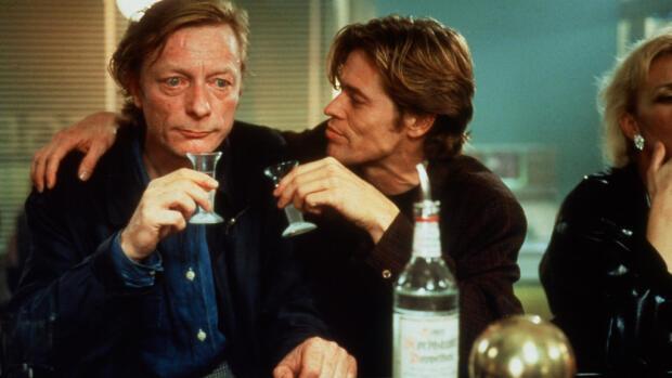 Tan lejos, tan cerca (1993) Película - PLAY Cine