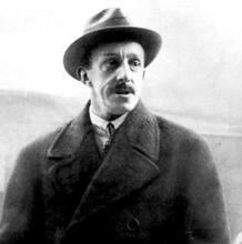 Alfonso XIII, en 1931, poco después de desembarcar en Marsella