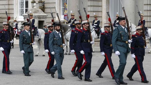 La Guardia Civil vuelve al Palacio Real