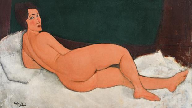 Mujeres posando historias de desnudos