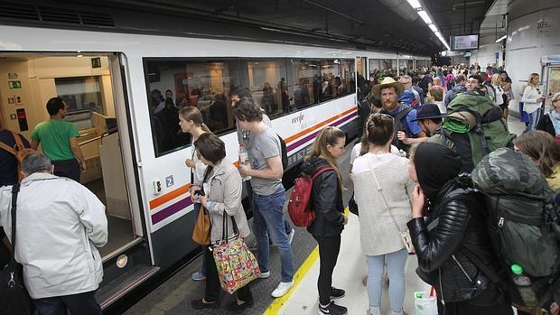 Una incidencia causa retrasos en Rodalies en Barcelona