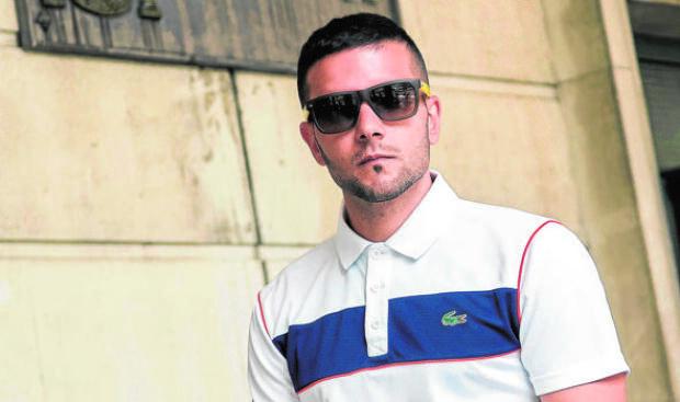 d01db42625 Piden cárcel para tres miembros de La Manada por robar gafas de sol en San  Sebastián
