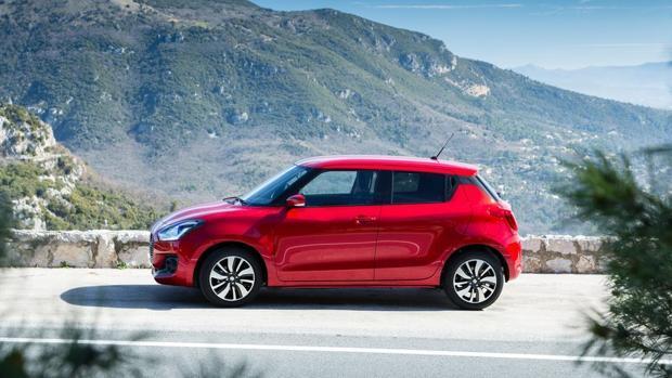 e8d9a0976 Probamos la «baja hibridación» del Suzuki Swift: juvenil y eficiente